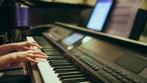 e-piano spielen lernen