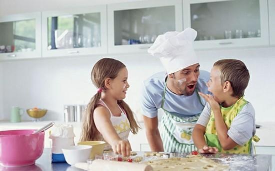 kindgerechte küche mit papa kochen