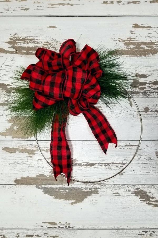 krtanz - ländiche deko ideen tür weihnachtskranz