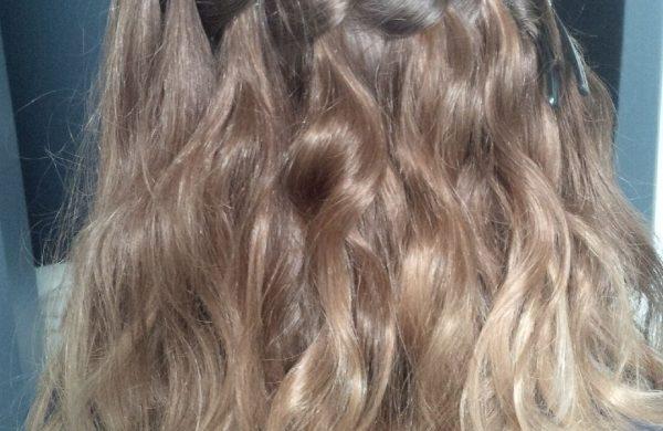 tolle Frisur Damen Haarstil Wasserfall Frisur