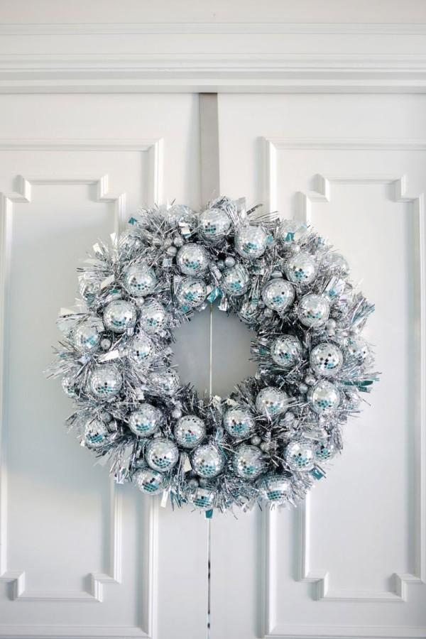 weihnachtskranz - silberner schmuck tür adventskranz