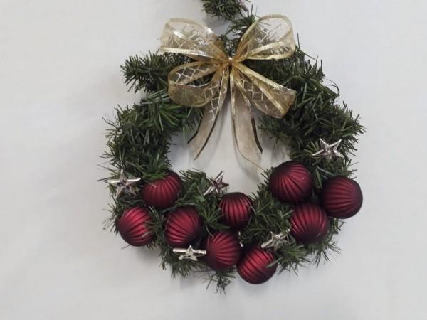 weihnachtskranz traditonelle farben türkranz