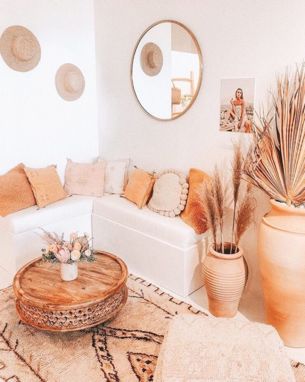 Aktuelle Farbpaletten im Wohnzimmer 2020 sehr ansprechendes Ambiente warme Farbtöne Boho Style
