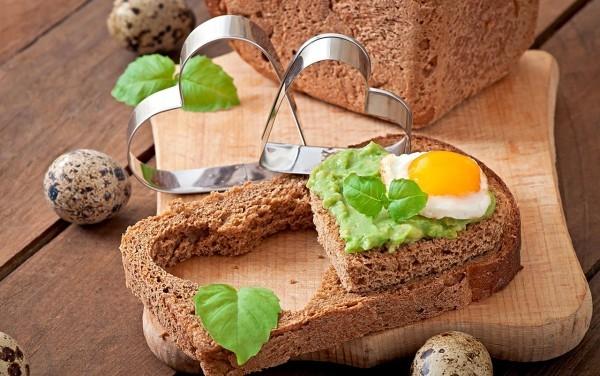 Brot romantische Ideen Valentinstag Frühstück