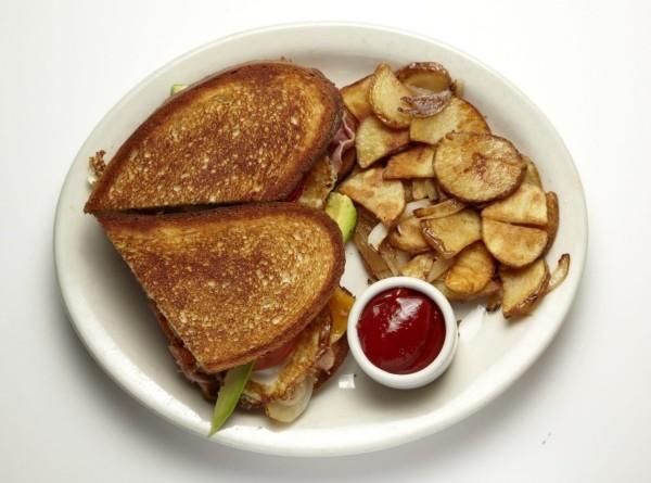 Brot und Gemüse Valentinstag Frühstück