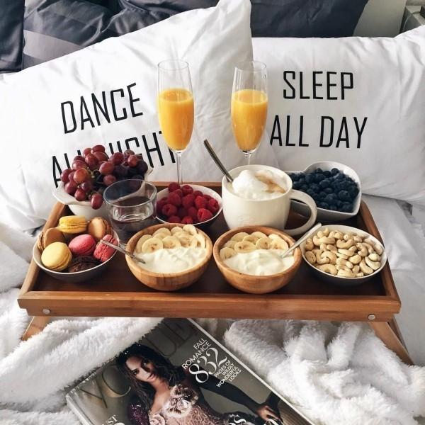 Frühstück im Bett Valentinstag Frühstück