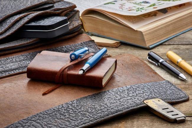 Hochwertige Schreibgeräte – So treffen Sie die beste Wahl füller füllhalter und leder tasche