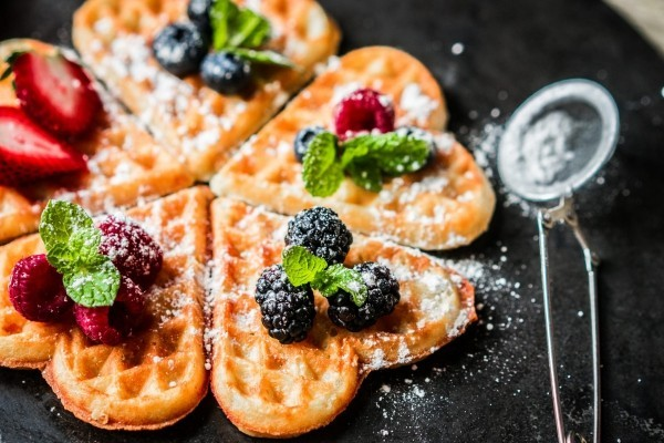 Leckere Waffeln - Ideen für den Valentinstag Frühstück