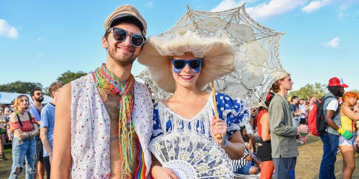 Mardi Gras Karneval feiern auf Amerikansich jedes Jahr im Februar viele Teilnehmenr Touristen in New Orleans