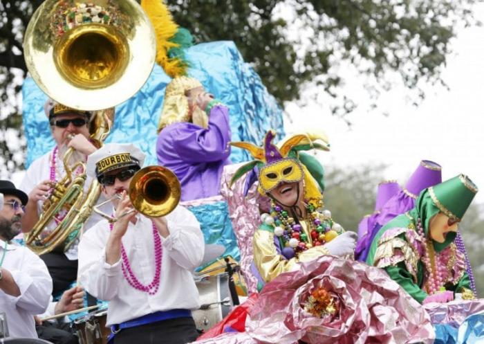 Mardi Gras Karneval feiern auf Amerikansich jedes Jahr viele Teilnehmenr Touristen in New Orleans
