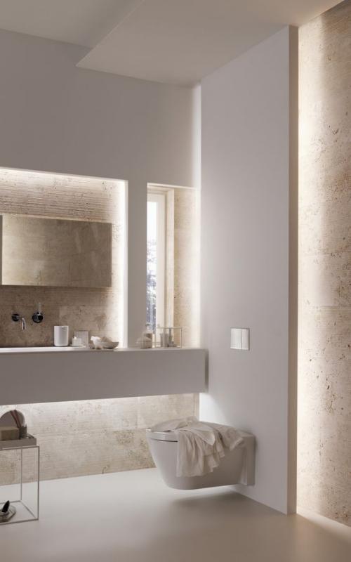 Modernes Licht im Bad indirekte Badbeleuchtung traumhaftes Flair