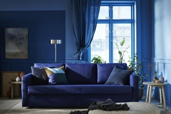 Pantone Farbe des Jahres 2020 klassisches Blau Classic Blue Sofa