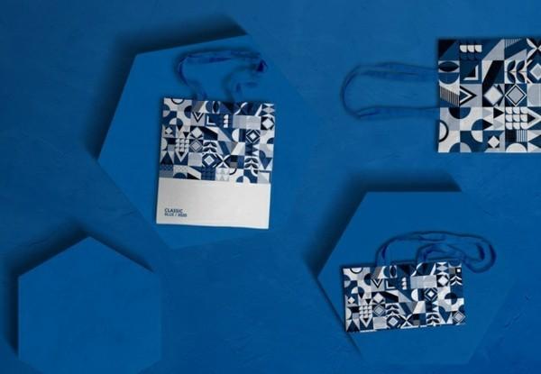 Pantone Farbe des Jahres 2020 klassisches Blau Papiertüten