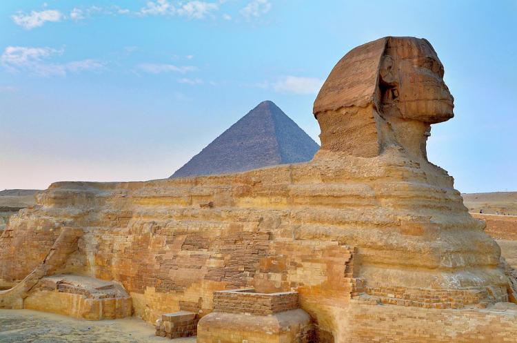 Reiseziele 2020 die Große Sphinx Gizeh Kairo Ägypten ein liegender Löwe mit Menschenkopf