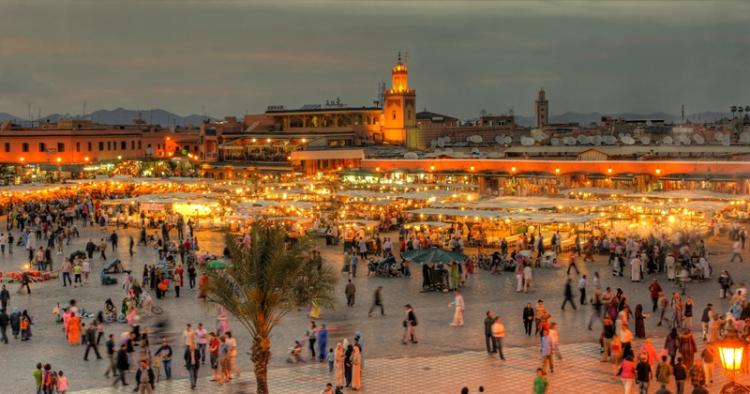 Reiseziele 2020 südländische Exotik Marktplatz in Marokko Marrakesch