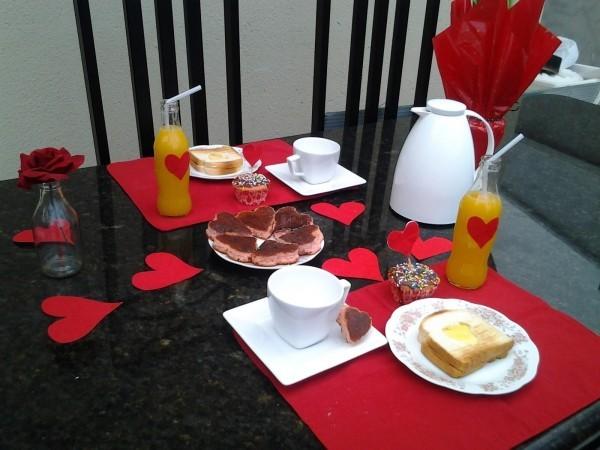 Tischgestaltung - tolle Ideen Essen Valentinstag Frühstück