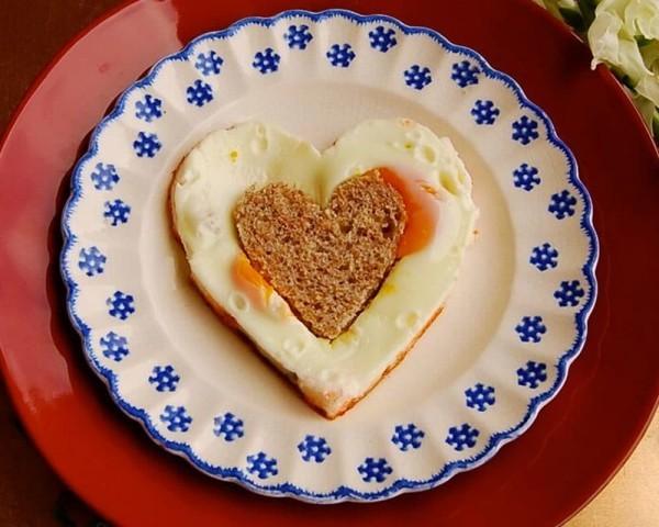 Valentinstag Frühstück Teller Frühstück - tolle Ideen