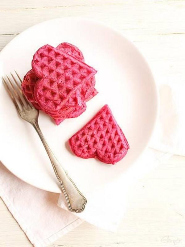 Valentinstag Frühstück - rosarote Waffeln - Inspiration