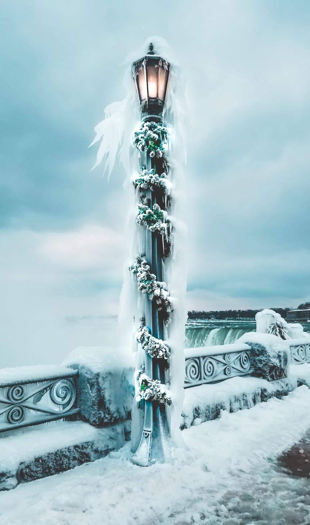 Winterwunderland Niagara Falls viele dramatische Bilder im Winter