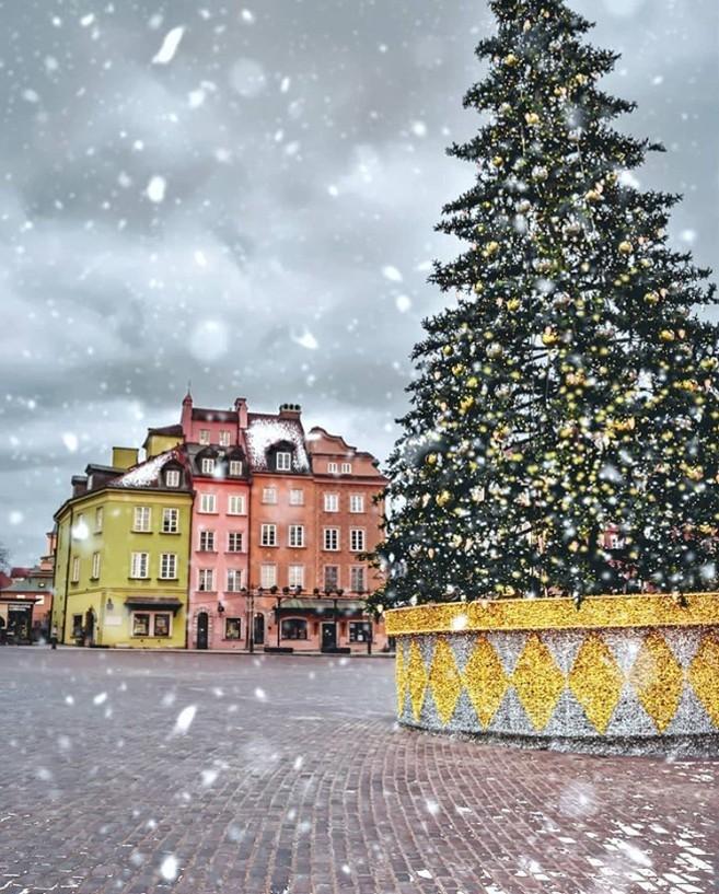 Winterwunderland polnische Hauptstadt Warschau auch im Winter für Reisende verlockend