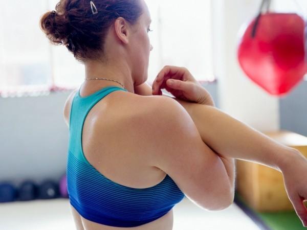 Witwenbuckel Übungen Kyphose Wirbelsäule Übungen Rundrücken