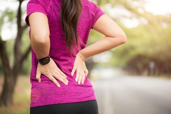Witwenbuckel Kyphose Wirbelsäule Rundrücken Muskeln stärken