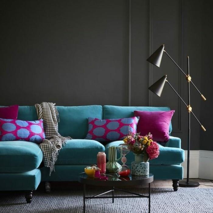 blauetöne samt sofa dunkelgraue wände wohnzimmer