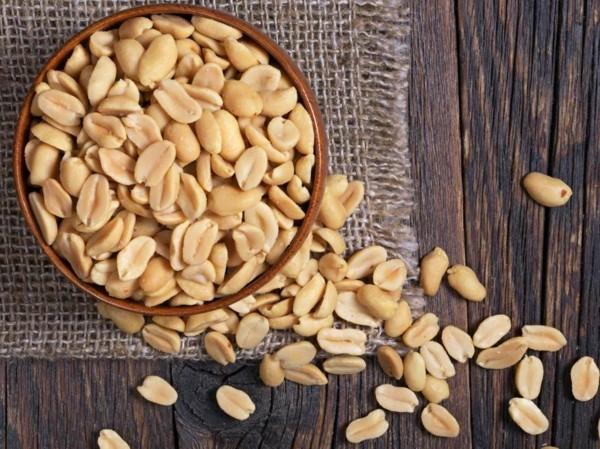erdnüsse gesund roh oder geröstet