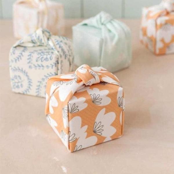 geschenke umweltfreundlich verpacken mit furoshiki tuch