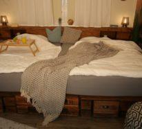 Palettenbett selber bauen – XXL Familienbett mit DIY-Anleitung