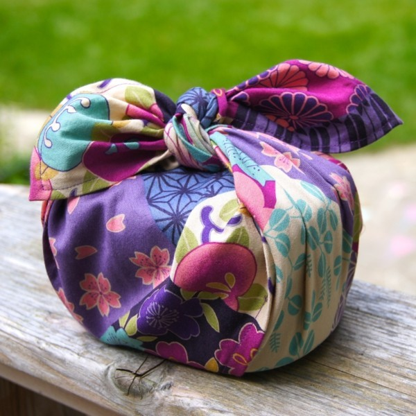 wunderschöne geschenkverpackung furoshiki tuch