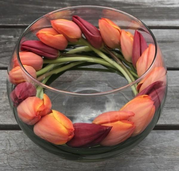 Frühlingsdeko im Glas Tulpen tolle Deko Ideen