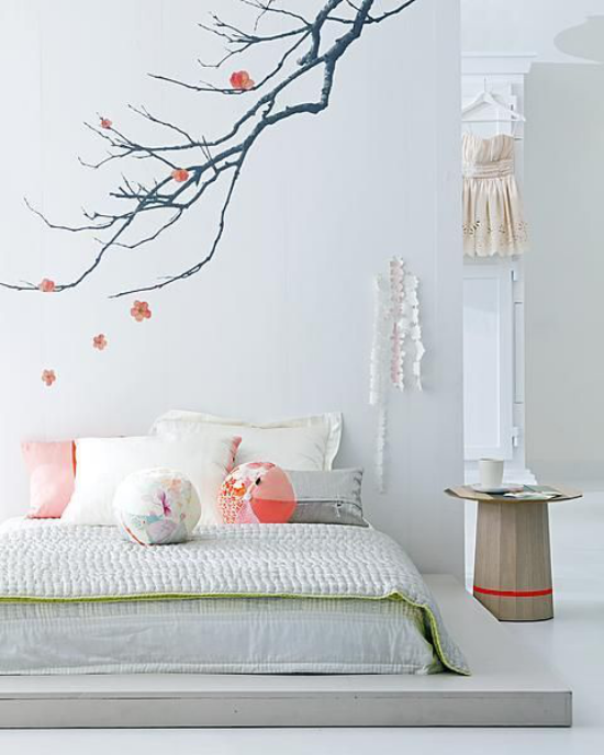 Frühlingsdeko mit Kirschblüten Wandtattoo im Schlafzimmer Abwechslung an der Wand