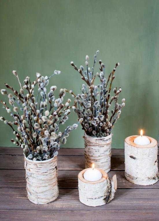 Frühlingsdeko mit Weidenkätzchen in Vasen Birkenrinde Kerzenhalter romantisches Arrangement