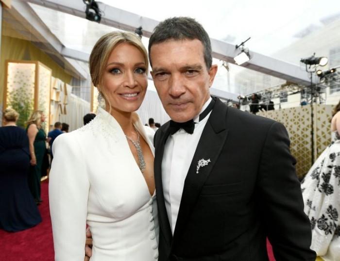 Oscars 2020 Antonio Banderas mit Freundin auf dem Roten Teppich