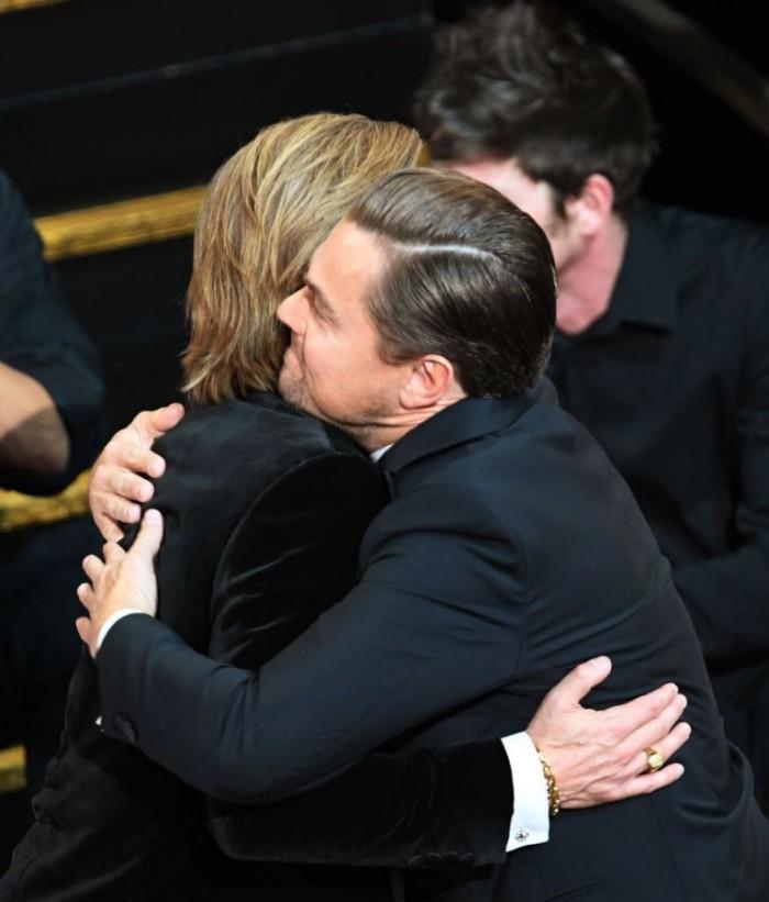 Oscars 2020 Brad Pitt Leo DiCaprio kräftige Umarmung