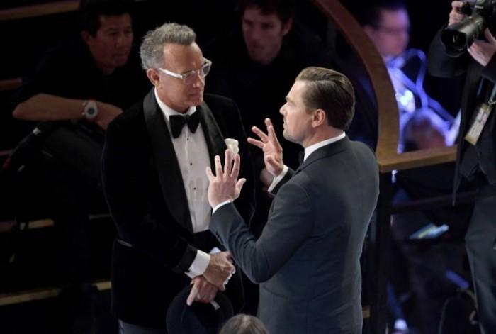 Oscars 2020 Brad Pitt Leonardo DiCaprio im Gespräch mit Tom Hanks