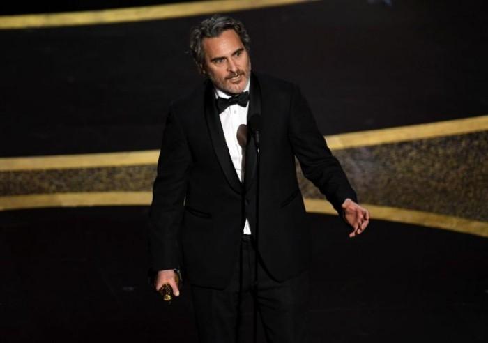 Oscars 2020 Joaquin Phoenix mit seinem ersten Oscar-Filmpreis bester Hauptdarsteller