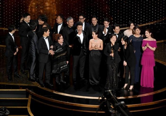 """Oscars 2020 Regisseur Schauspieler Mitarbeiter südkoreanischer Film """"Parasite"""" bester Film"""