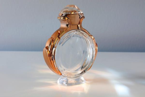 Parfüm in einer tollen Verpackung Valentinstag