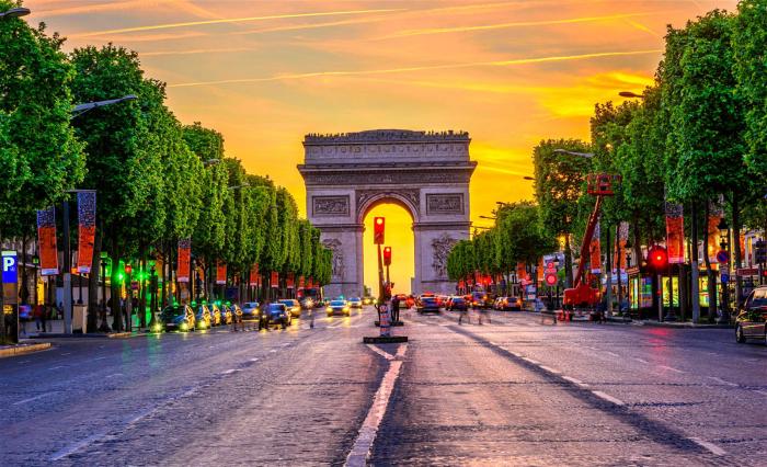 Reiseziele für Romantiker Paris französische Hauptstadt besuchen Arc de Triomphe