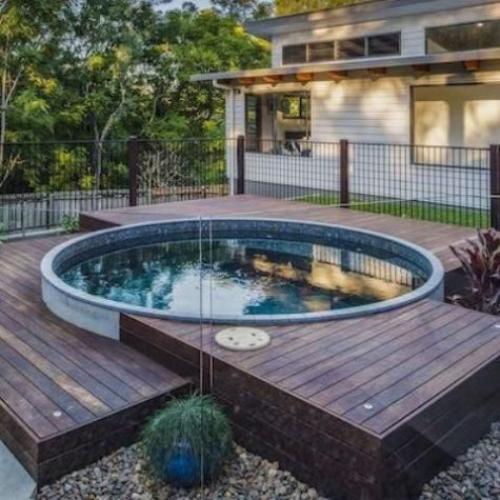 Runde Gartenpools perfekte runde Form Schwimmbecken im Hinterhof Deck aus Holzplatten