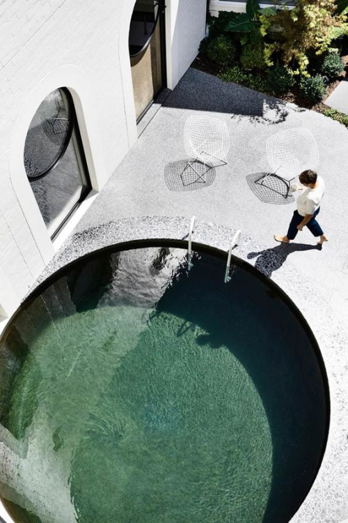 Runde Gartenpools rundes Schwimmbecken eingebaut rundherum Beton