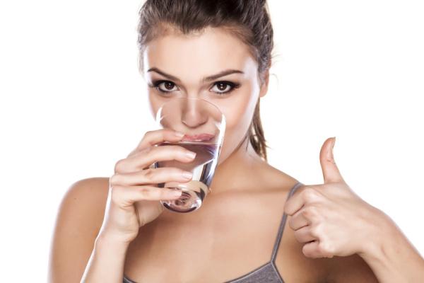 Schluckauf loswerden - Wasser und andere Mitteln