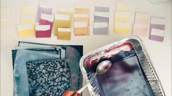 Stoff färben Textilien färben Kleidung färben Stoffprobe machen
