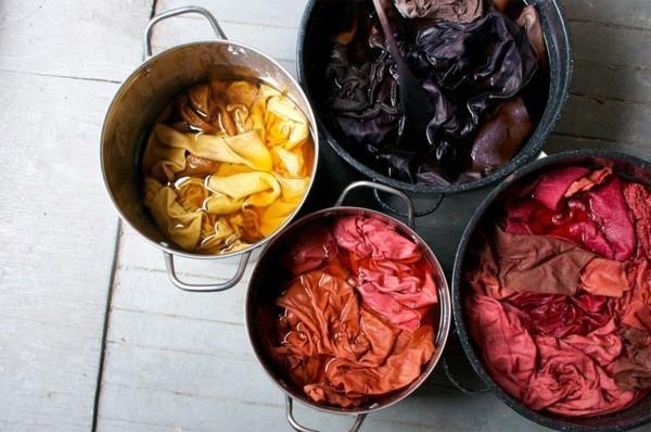 Stoff färben Textilien färben Kleidung färben Töpfe Farbbad