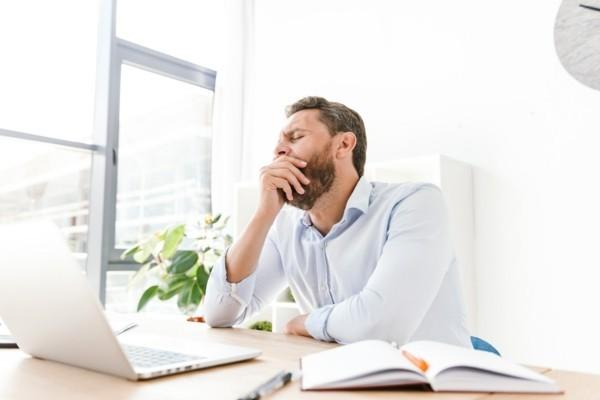 Warum gähnt man Langeweile Office