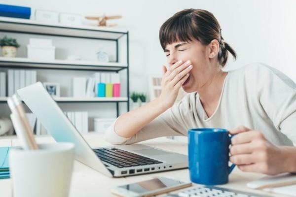 Warum gähnt man Morgenkaffee Müde Langeweile