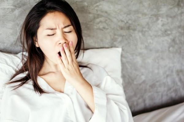Warum gähnt man beim Einschlafen