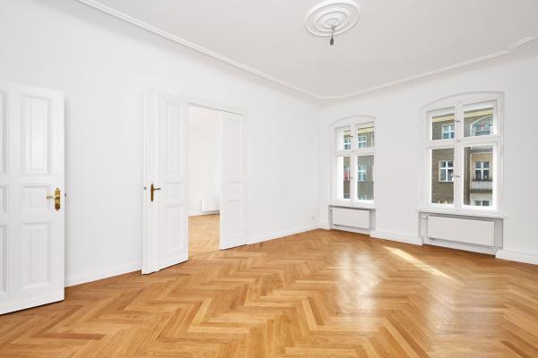 Wohnung einrichten - breites Wohnzimmer - Wohnungseinrichtung